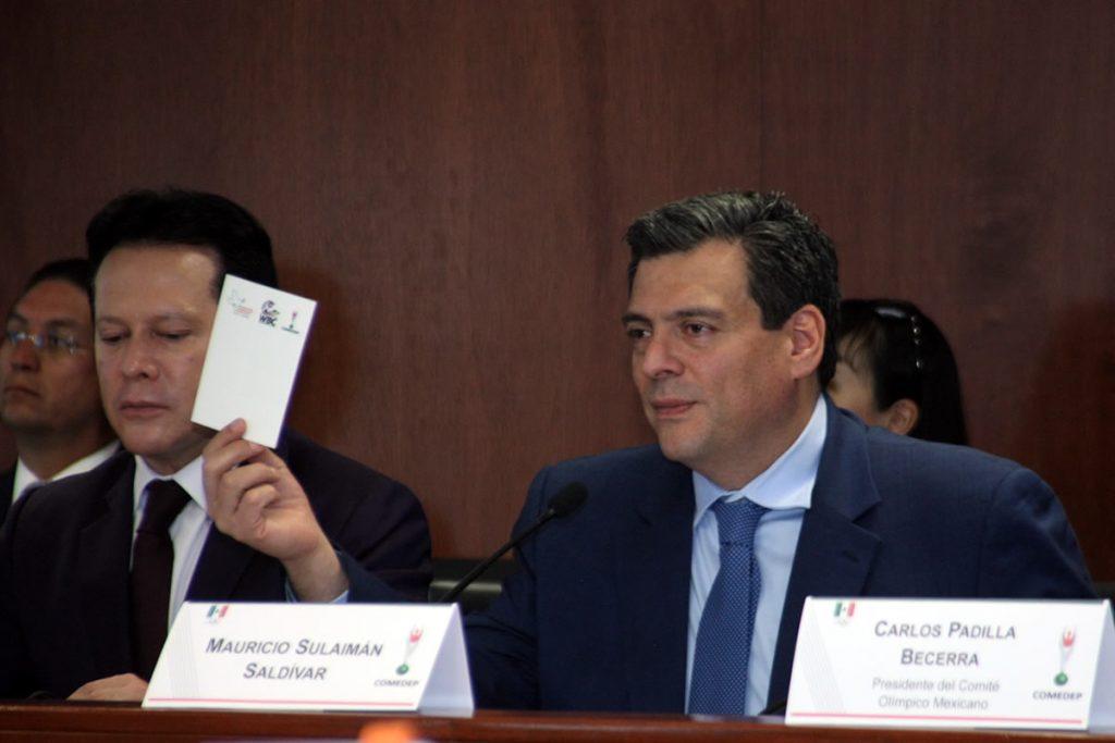 Deporte mexicano se une a mensaje de paz con tarjeta blanca